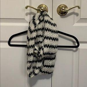 American Eagle scarf